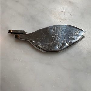 IRONWOOD GOURMET GOLD FISH LEMON SQUEEZER
